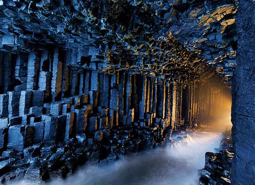 Fingals Cave  - photo: Yackeroeni